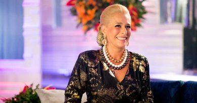 Primeiro trailer de Hebe revela Andrea Beltrão como a apresentadora