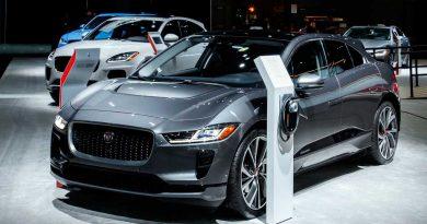 O primeiro modelo 100% elétrico, o SUV Jaguar I-PACE, chega ao mercado brasileiro