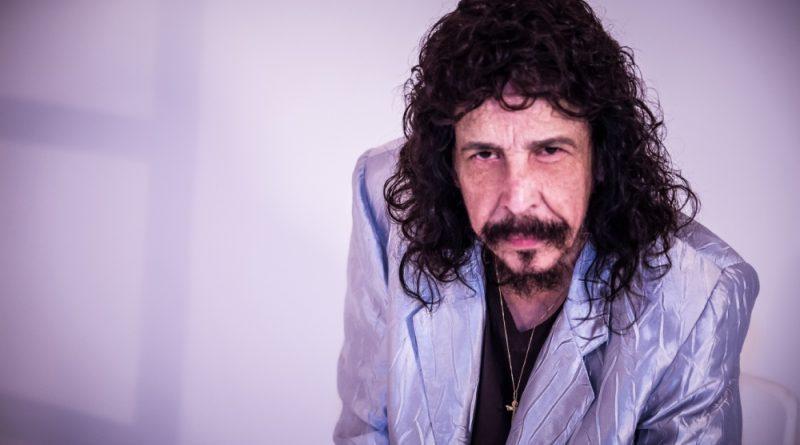 Nando Reis remarca show para 17.07 e Benito Di Paula se apresentará dia 29.08 no Teatro Guararapes