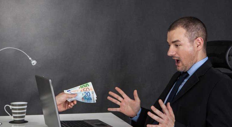 Dicas e cuidados para evitar golpes na hora de buscar um empréstimo pela internet